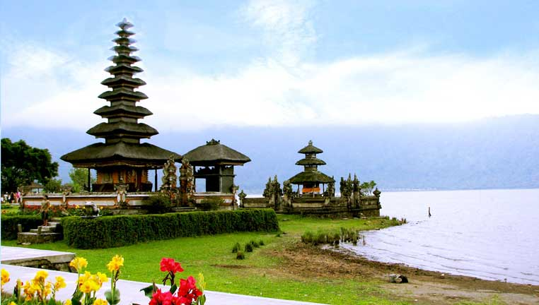 Bali World Heritage Tours, Danau Bratan